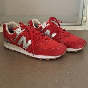New Balance Red Classic 547